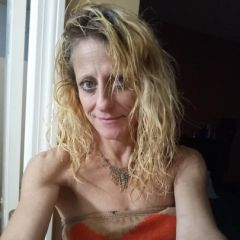 Dee-licious47 Dating Profile
